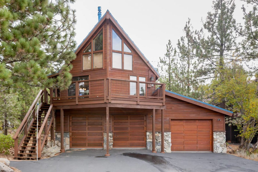 Tahoe Donner Howling Wolf Lodge, 4 Bdrm, 3 Bath